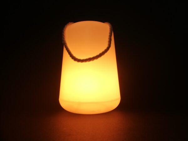 Lampion w nocy